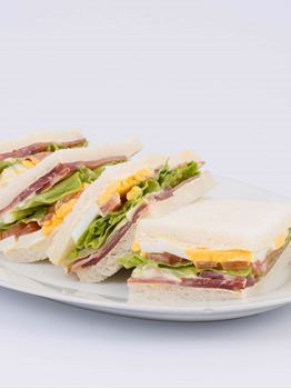 SANDWICHES DE JAMON CRUDO OLIMPICO