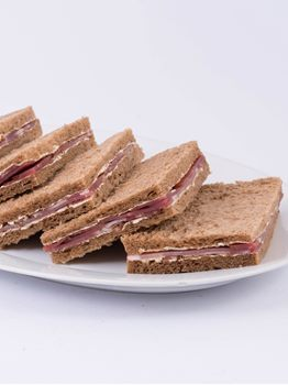 SANDWICHES DE JAMON CRUDO